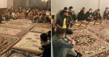 Polisin operasyon düzenlediği evin salonundan 42 düzensiz göçmen çıktı