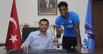 Ricardo Gomez, imzayı attı