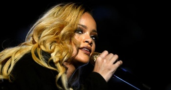 Rihanna Forbes'un listesine girdi