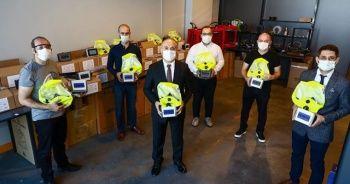 Sağlık çalışanlarına yerli kuvöz maske