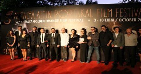 57. Antalya Altın Portakal Film Festivali'nde kırmızı halı şıklığı
