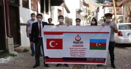Azerbaycanlı gençler savaşmaya hazır