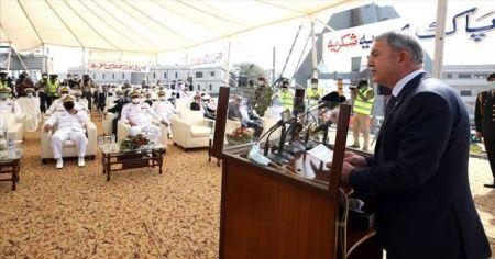 Bakan Akar'dan Pakistan'da önemli mesajlar