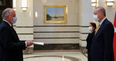 Belçika Büyükelçisi Huynen, Cumhurbaşkanı Erdoğan'a güven mektubu sundu