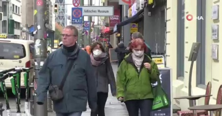 Berlin'de ilk kez sokakta maske zorunluluğu geldi