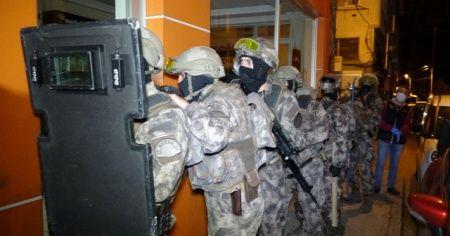 Bursa'da şafak operasyonu, mahalle ablukaya alındı