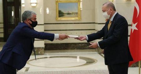 Erdoğan'a güven mektubu sundu