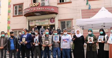 Evlat nöbetindeki ailelerden İzmir'e destek
