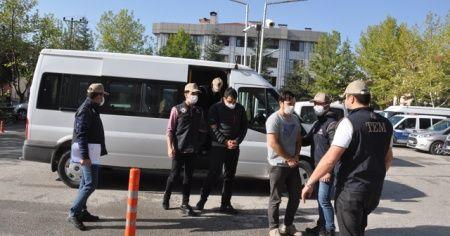 FETÖ operasyonunda yakalananlardan 3'ü adliyeye sevk edildi