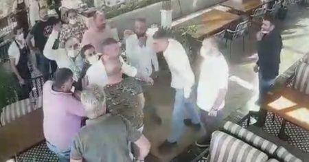 İş adamları restoranı birbirine kattı