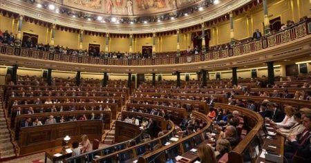 İspanyol meclisi hükümeti düşürme önergesini reddetti