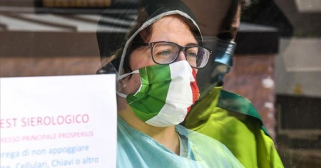 İtalya'da Kovid-19 vaka sayısında rekor