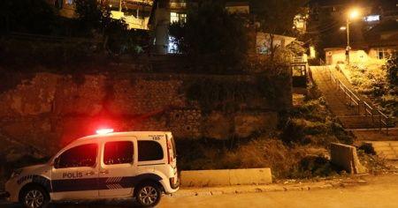 İzmir'de kuzeni tarafından silahla vurulduğu iddia edilen kişi ağır yaralandı