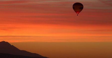 Kapadokya'nın nazar boncukları gökyüzündeki şöleni
