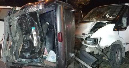 Karavanın fırlayan lastiği kazaya sebep oldu: 1 yaralı