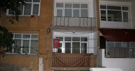 Kocasının bıçakladığı kadın balkondan atlayarak kurtuldu
