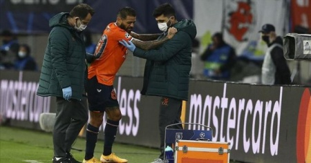 Medipol Başakşehirli futbolcu ameliyat edildi