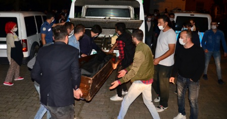 Pompalı tüfekle sokak ortasında intihar etti