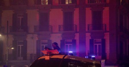 Roma'da salgın tedbirlerinin protesto edildiği gösteride olaylar çıktı