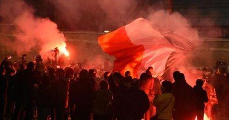 Roma karıştı! Salgın tedbirlerine yönelik protestoya polis müdahalesi...