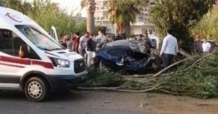 Rus turist, otostop çekerek bindiği otomobil kaza yapınca öldü