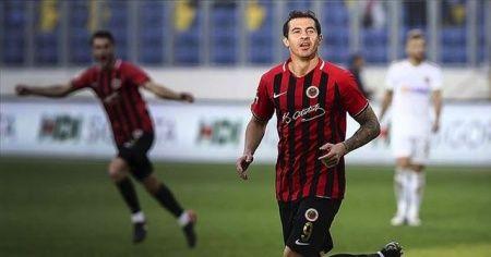 Stancu Gençlerbirliği formasıyla Süper Lig'de 50. gol peşinde