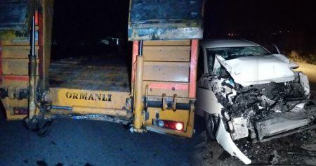 TIR'a arkadan çarpan otomobil hurdaya döndü: 1 yaralı