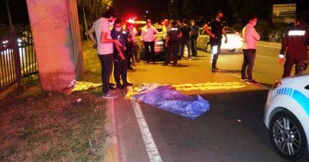 Üst geçitten düşen genç otomobilin altına kalarak öldü