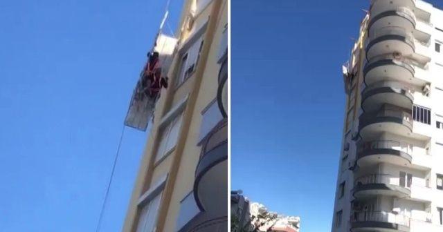 8. katta iskelede mahsur kalan iki işçinin zor anları