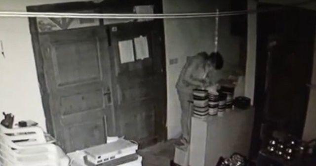 Aynı iş yerine ikinci kez giren hırsızlar kameralara yakalandı
