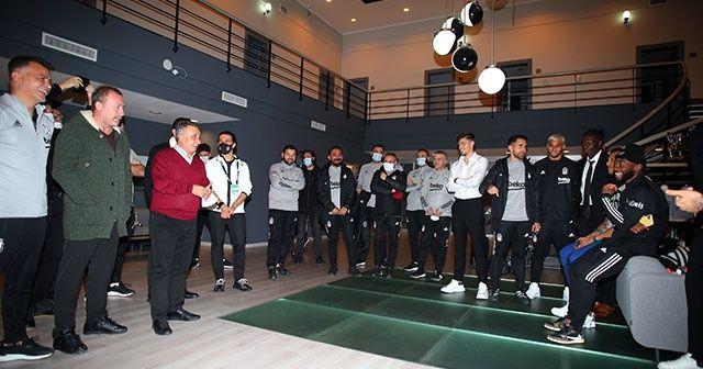 Başkan Ahmet Nur Çebi, takımı kutladı