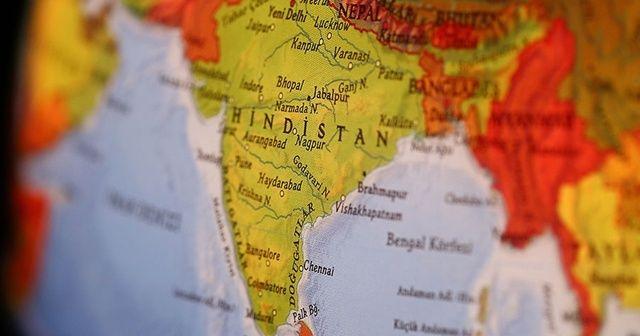 Hindistan'da fabrikanın duvarı çöktü: 6 ölü, 10 yaralı