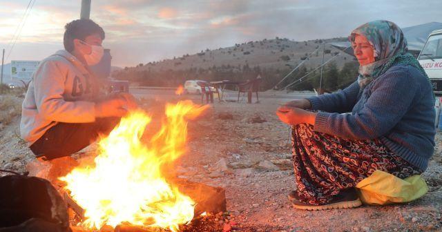 İHA'nın haberinin ardından çadırda yaşayan aileye yardım elleri uzandı