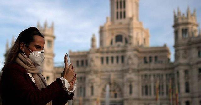 İspanya'da Kovid-19'dan son 24 saatte 351 kişi öldü