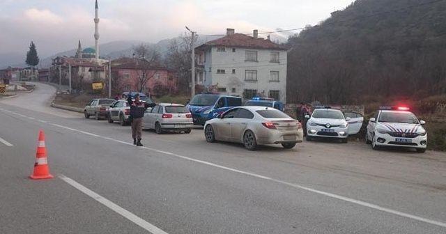 Karantinaya uymayan 2 kişi yol kontrolünde yakalandı