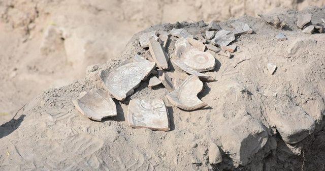 Malatya'daki Şahabiyye-i Kübra Medresesi'nde çini parçalarına rastlandı