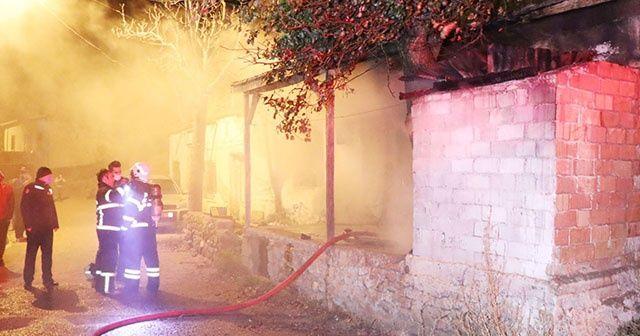 Müstakil evdeki yangın paniğe neden oldu
