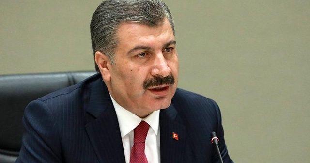"""Sağlık Bakanı Koca'dan """"Maskenizi sigara için çıkarmayın"""" uyarısı"""