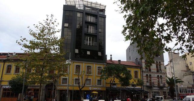 Sıra dışı bina görüntüsüyle dikkat çekiyor