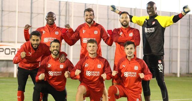 Sivasspor'da 2 futbolcu korona virüse yakalandı