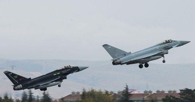 Türk ve İngiliz jetleri eğitim uçuşu gerçekleştirdi