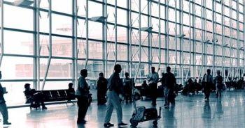 ABD'de büyük tehlike! 2 milyon kişi havalimanlarına akın etti