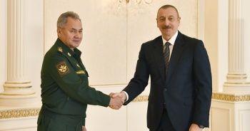 Aliyev, Rusya Savunma Bakanı'nı kabul etti