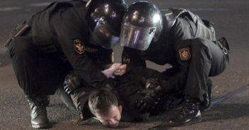 Belarus'ta halk sokaklara döküldü
