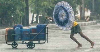 Filipinler'i Goni Tayfunu vurdu: 4 ölü