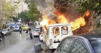 İstanbul'da korku dolu anlar: Minibüsler alev alev yandı