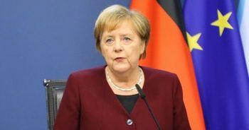 Merkel, Kovid-19 kısıtlamalarını savundu