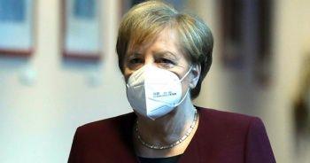 Merkel: Salgınla 4 ayda daha birlikte yaşayacağız