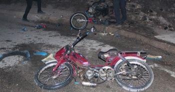 Motosikletleri yakıp kaçtı