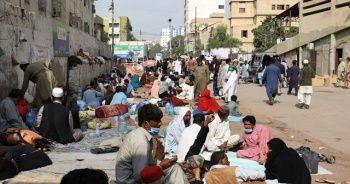 Pakistan'da Covid-19 can kabı sayısında günlük rekor
